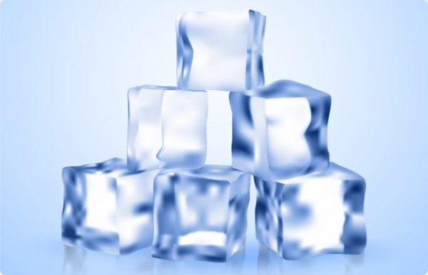 Ice packs- home remedies to piles pain